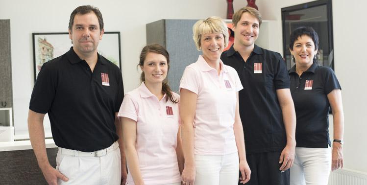 In der Implantologie bewandert - das Team der Zahnarztpraxis Paudler.